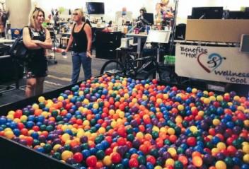 fun-offices-zappos-2-468x318
